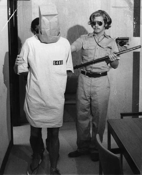 Stanford Hapishane Deneyi : Rollere Karşı Bağımlılık 4
