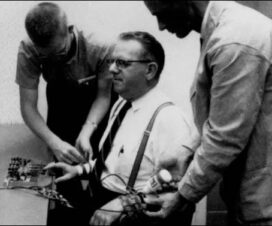 Stanley Milgram : Otoriteye İtaat Deneyi 9
